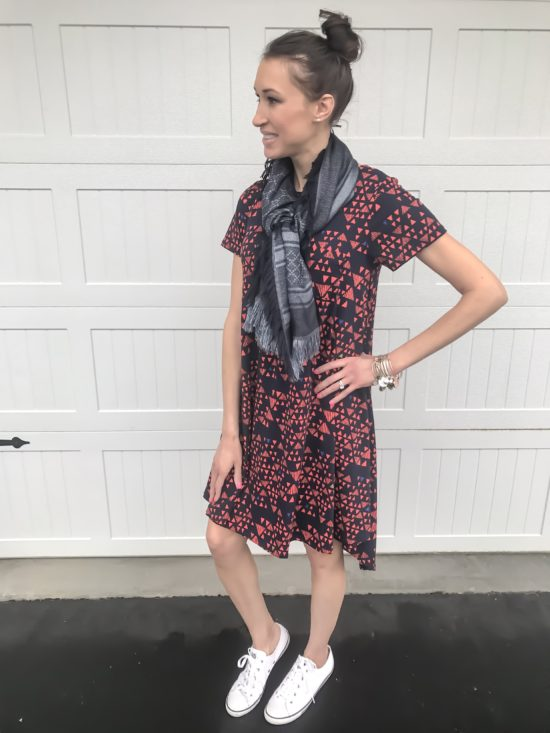 10 ways to wear a LulaRoe Carly dress- casual 3