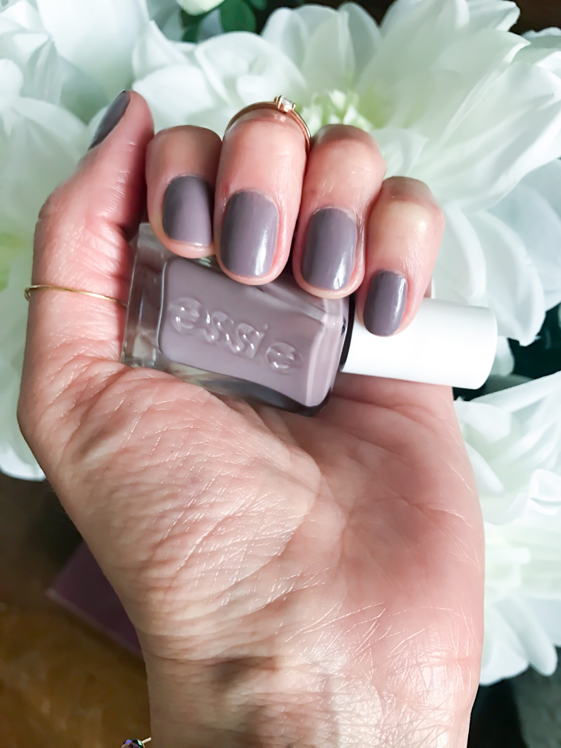 Essie Nail Polish Takes Too Long To Dry | Splendid Wedding Company