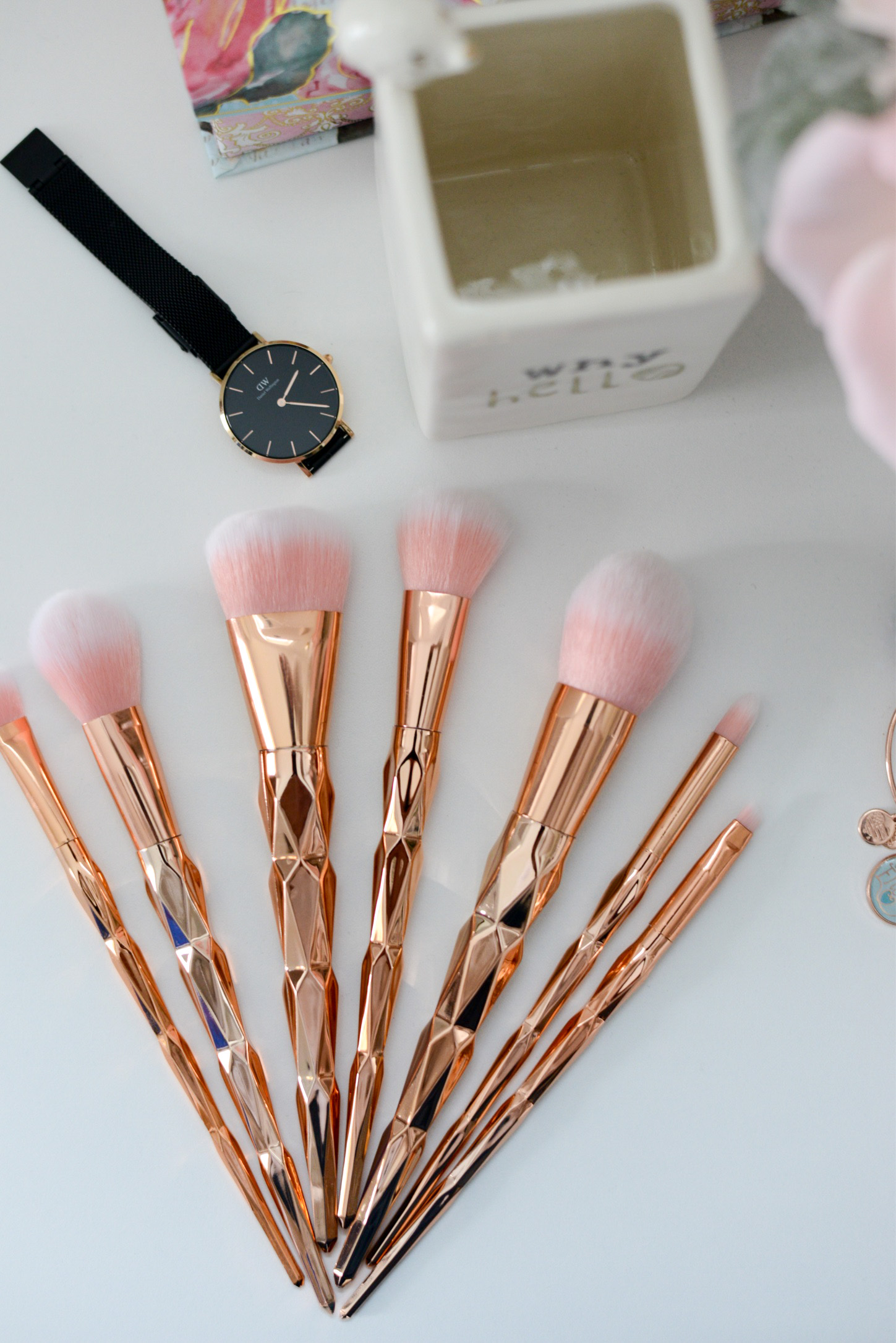 A Few Quick Gift Ideas for Girly Girls- Zaful 7 piece rhombus makeup brush set