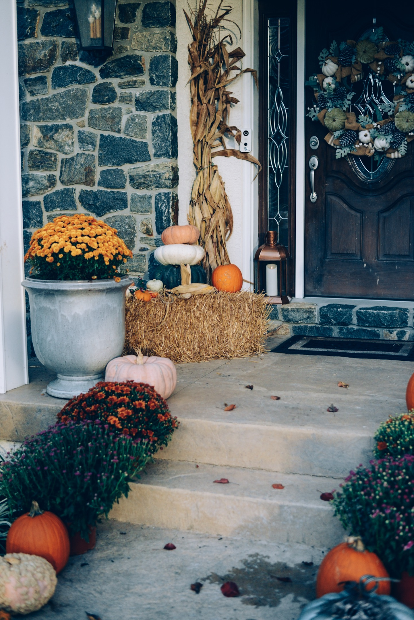 rustic fall front porch, farmhouse fall front porch