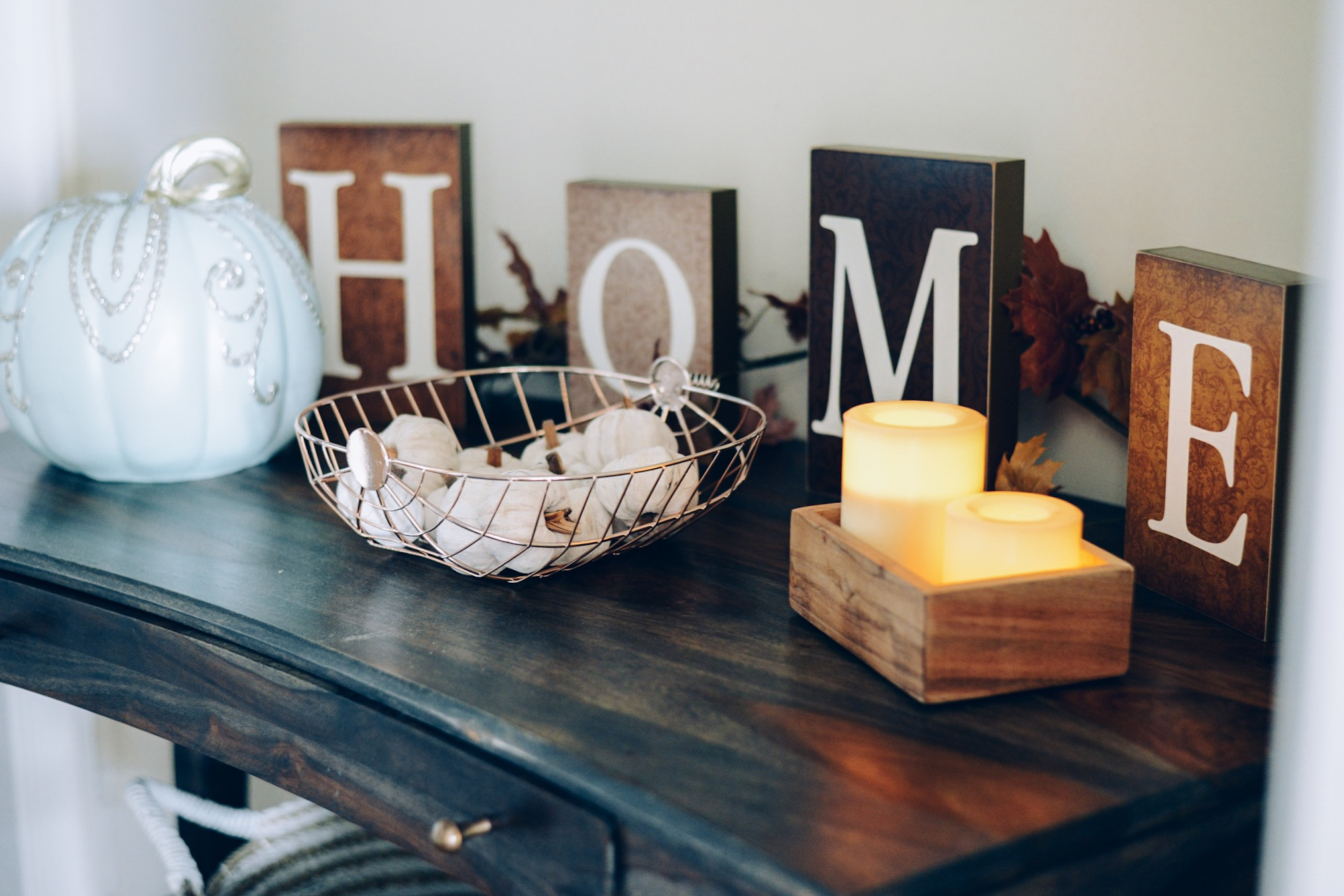 How I Decorated My Home Interior for Fall- Target dollar spot wire pumpkin basket and white pumpkin potpourri, home sign, sparkly pumpkin